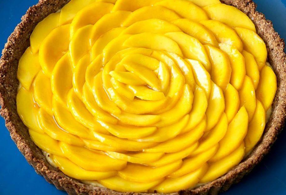 tarta de nuez con mango