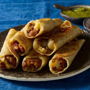 Pati Jinich tacos crujientes de papa cebollita y chorizo
