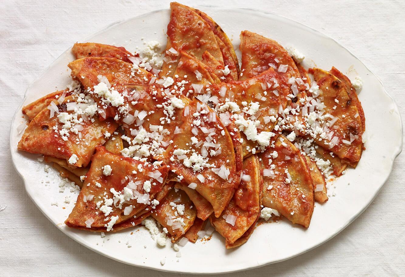 Pati Jinich enchiladas en salsa roja