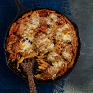 pati jinich cazuela de pasta con pollo y chipotle