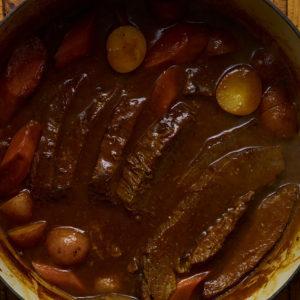 Pati Jinich falda caramelizada con chiles pasilla