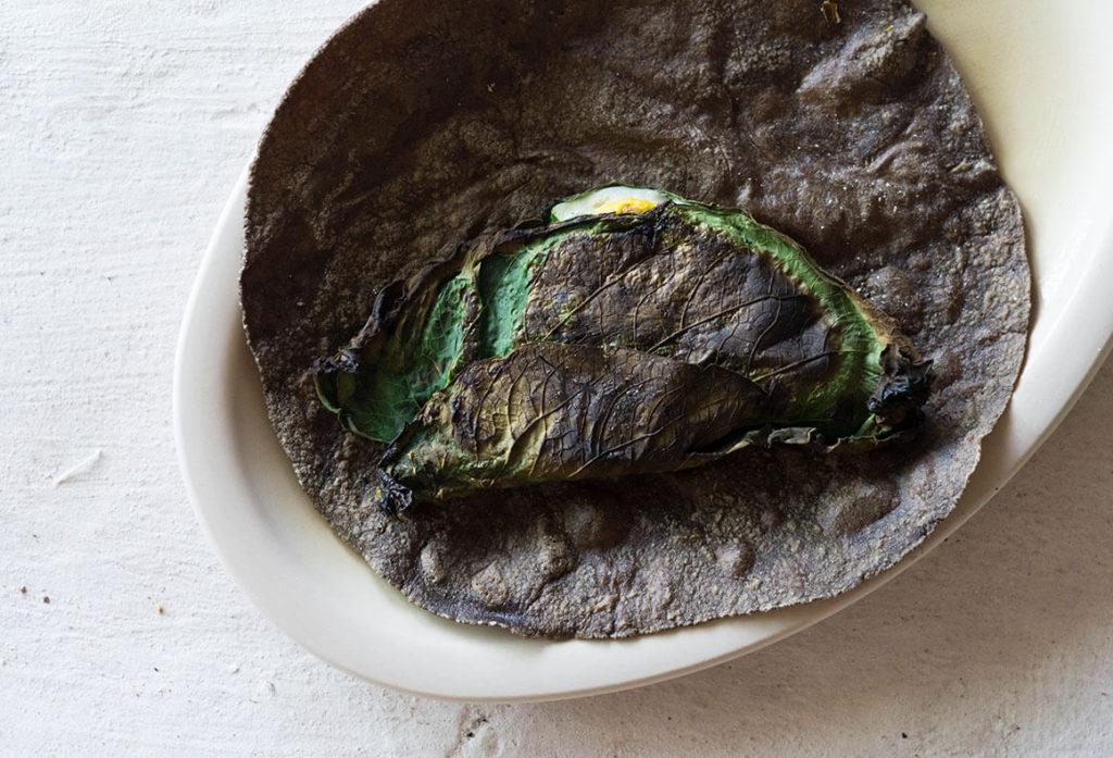 itanoni tortilleria y antojeria huevo frito sobre una tortilla