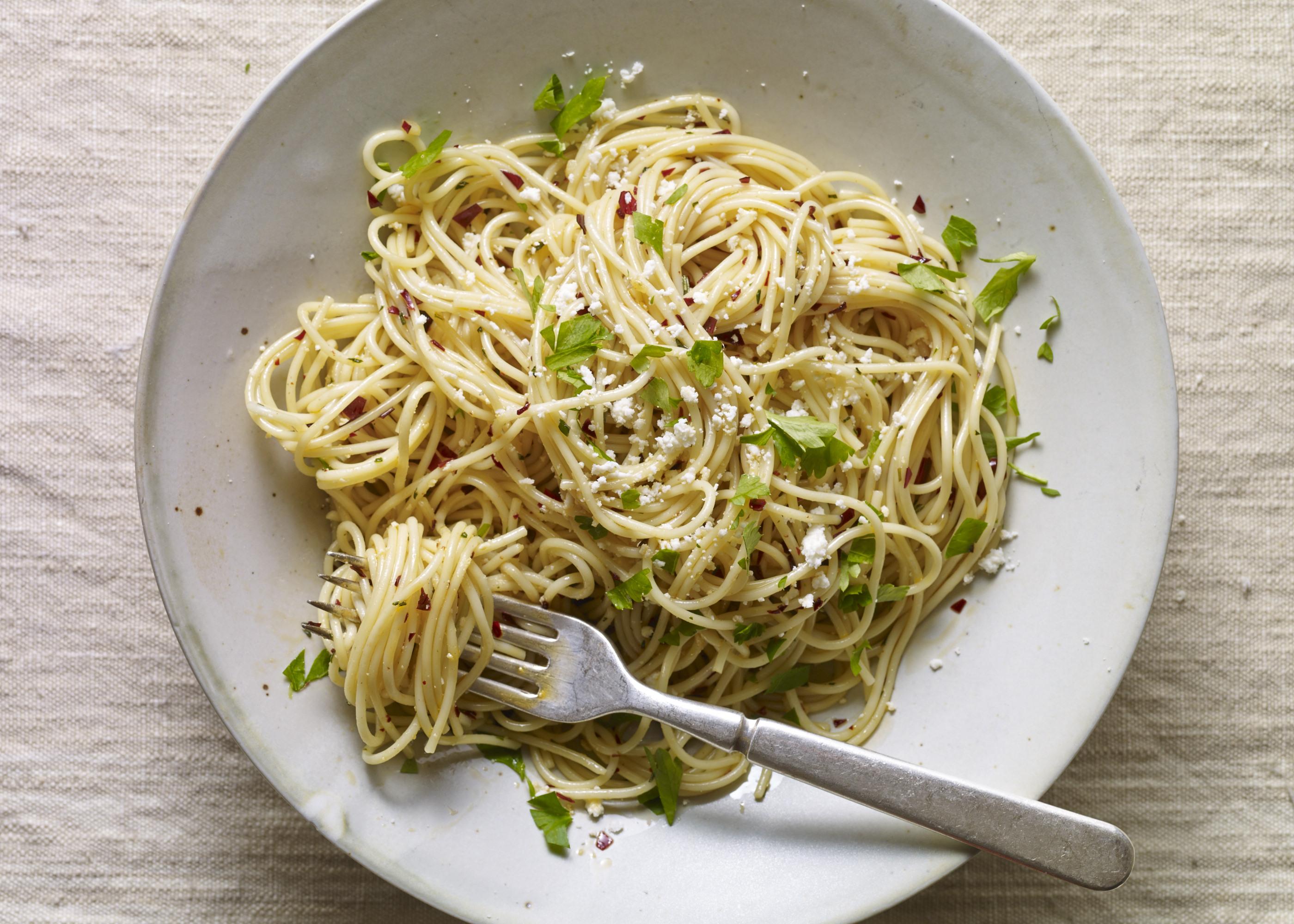 guajillo garlic pasta