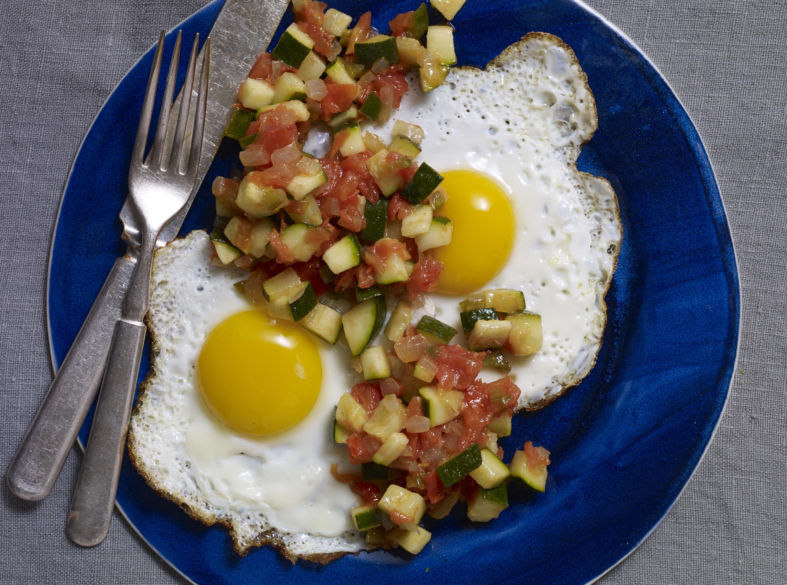 huevos rancheros with zucchini