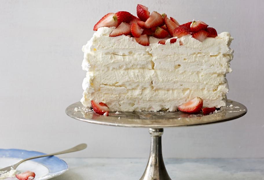 strawberry meringue cake