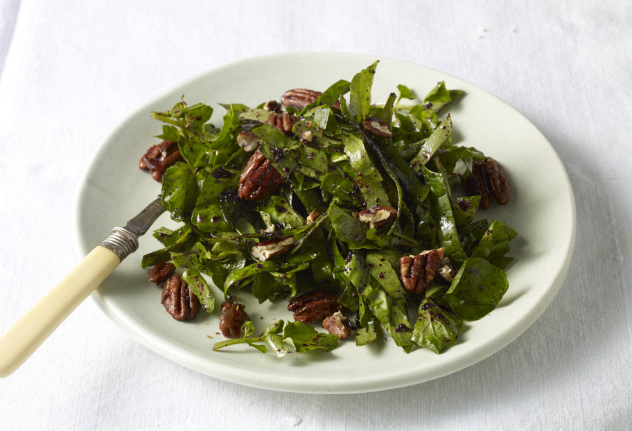 Spinach Salad with Jamaica Vinaigrette and Caramelized Pecans