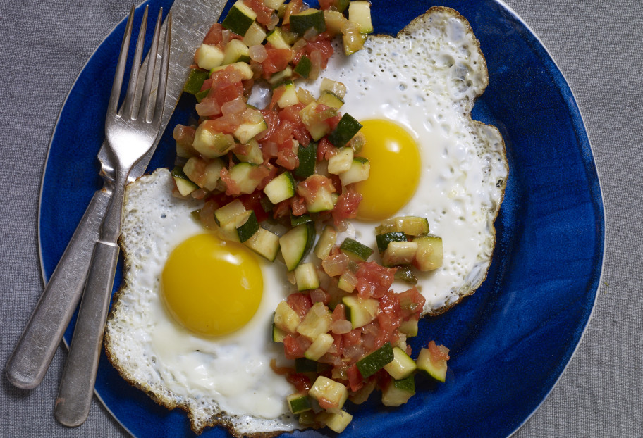 huevos rancheros with zucchini