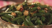 Green Beans with Peanuts and Chile de Arbol