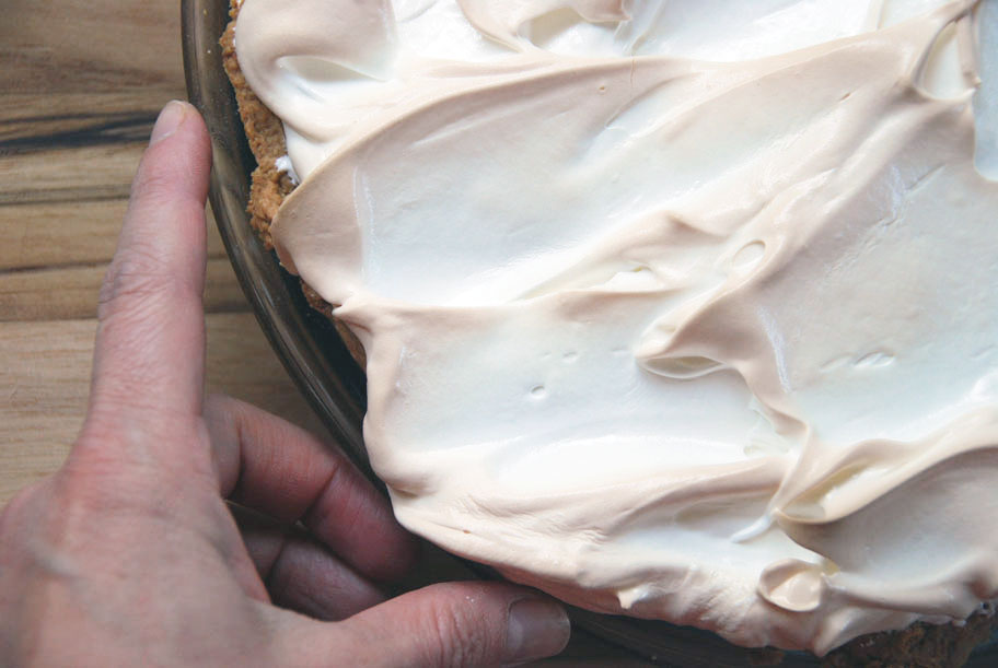 Pay de limón with quickly baked meringue, right out of the oven.
