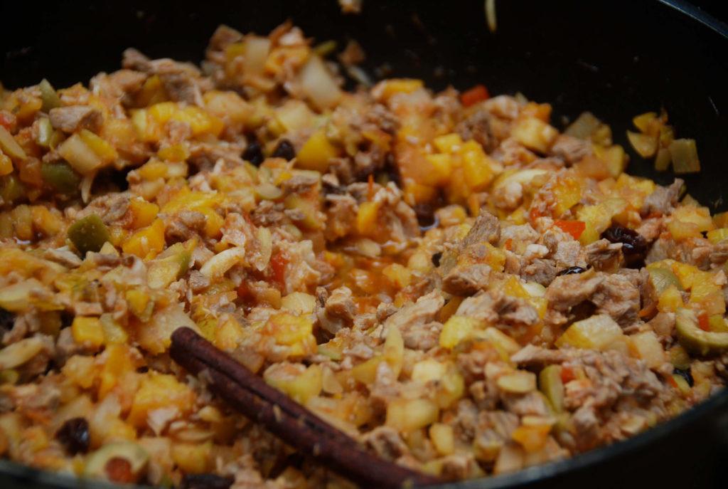 chiles en nogada filling