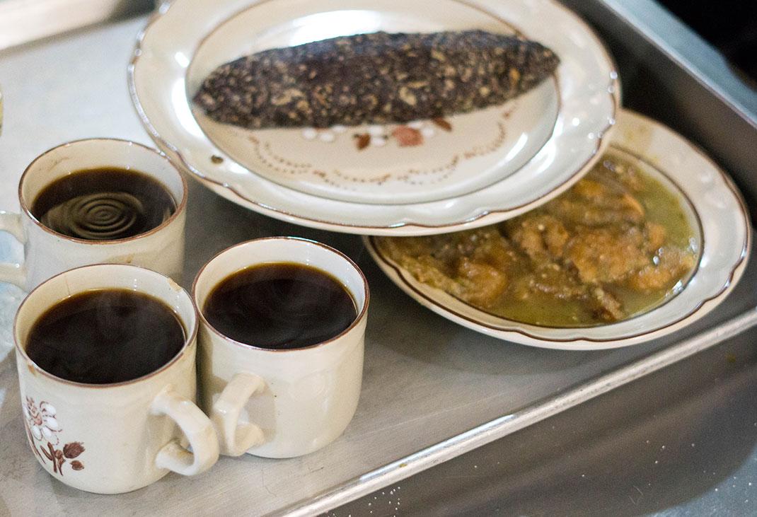 cafe de olla and breakfast at Fonda Margarita